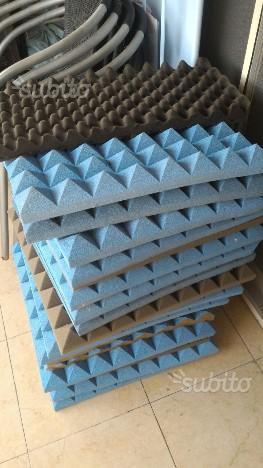 15 Pannelli fonoassorbenti piramidali 50x50x5 cm