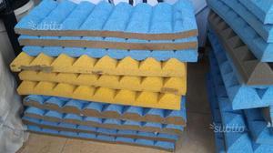 4 Pannelli fonoassorbenti piramidali 50x30x5 cm