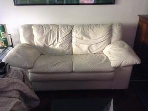 Vendo coppia divani in pelle bianca