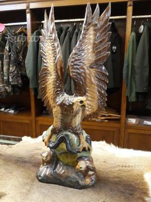 Aquila in legno di balsa tutta intarsiata