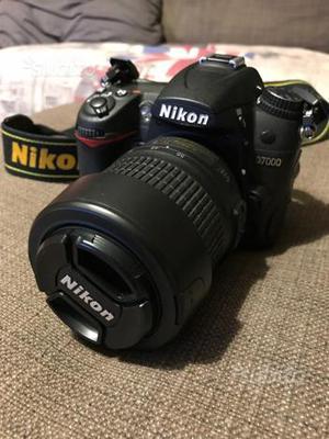 Nikon D completa di obiettivi