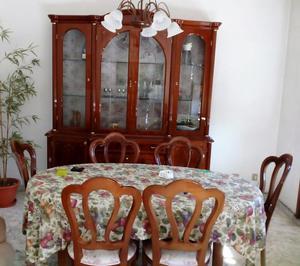 Sala da pranzo in legno di noce