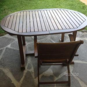 Tavolo da esterno in legno massicio e 4 sedie