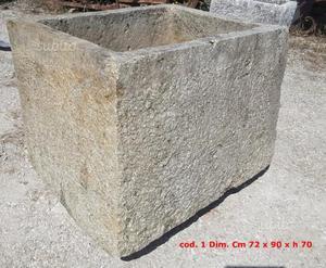Paracarri im pietra antichi posot class - Vasche in pietra da giardino ...