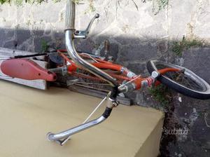 Vecchia bici da bimbo e Graziella da bimba