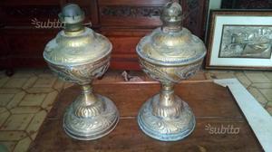 Coppia di lumi a petrolio in bronzo