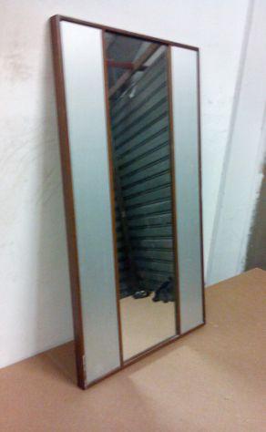 Specchio anni 70, cornice in legno, laterali in alluminio