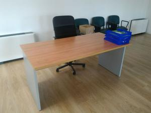 Stock mobili ufficio usati poche settimane posot class for Stock mobili ufficio