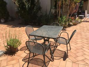 Solido set tavolo + 4 sedie in ferro galvanizzato per