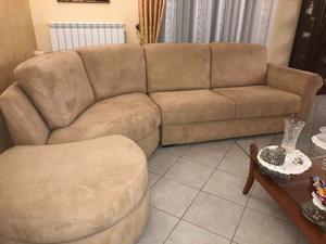 Vendo due divani tenuti in ottime condizioni