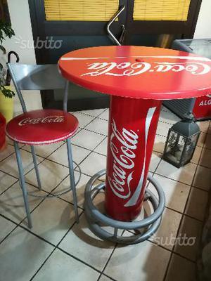 Tavolo Con Sgabelli Coca Cola.Tavolo Con Sgabelli Coca Cola