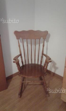 Sedia a dondolo legno