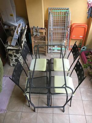 Tavolo e 4 sedie in ferro battuto
