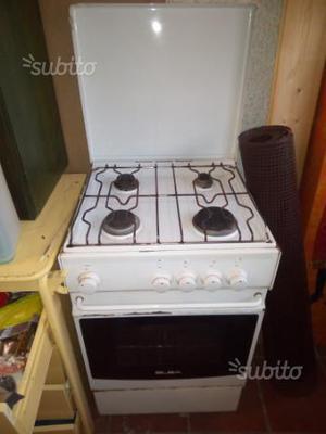 Cucine A Gas Usate.Vendo Cucina A Gas Elba Usata Posot Class