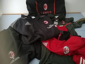 Abbigliamento tecnico sportivo Ac Milan nuovo con etichetta