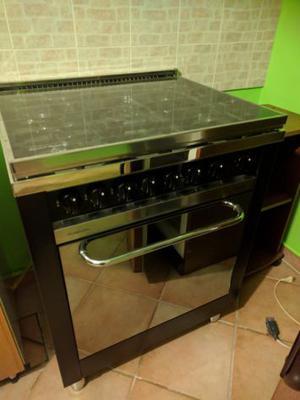 Macchina da cucina a gas 5 Fuochi e forno elettrico Marca