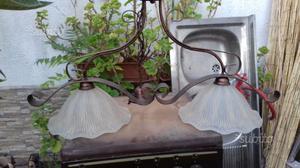 Lampadario ferro battuto con bocce vetro