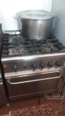 Cucina 4 fuochi a gas con forno a gas