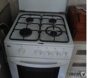Pensili cucina con macchina del gas e lavello posot class - Oggetti da cucina ...