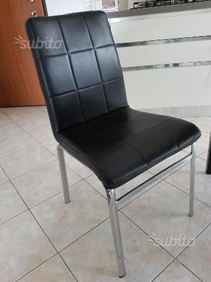 Sedie in ecopelle di colore nero