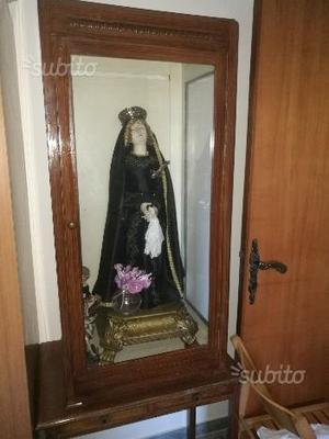 Statua Madonna Addolorata con teca di vetro