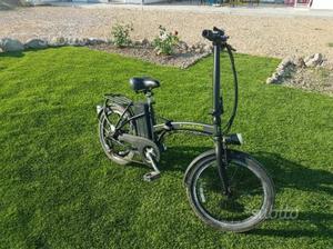 Bicicletta elettrica pieghevole nuova posot class for Bici pieghevole elettrica usata