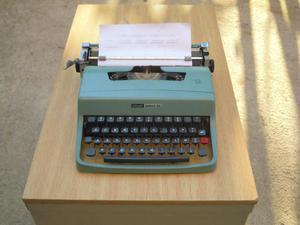 Macchina per scrivere meccanica Olivetti Lettera 32