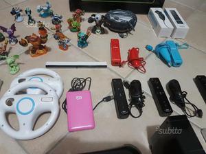 Nintendo Wii più molti accessori