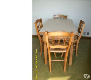 Mobile per cucina,tavolo e 4 sedie.