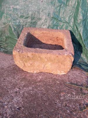 Abbeveratoio in pietra vendo
