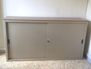 Armadio doppia anta scorrevole con specchi posot class for Armadio basso ufficio