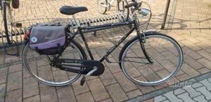 Bicicletta da uomo nera