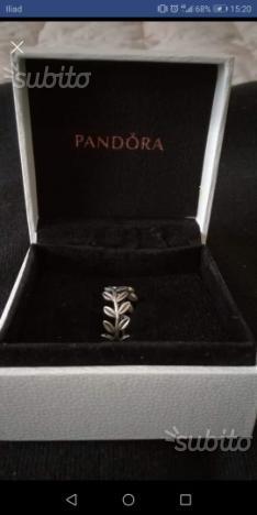 anello pandora con foglie di alloro