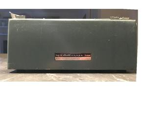 Olivetti Studio 44 macchina da scrivere vintage design