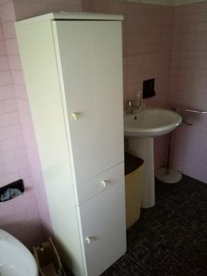 Armadietto per bagno in legno impialacciato bianco