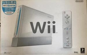 Nintendo Wii con balance Wii Fit e 8 giochi
