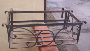 3 porta vasi fiori in ferro battuto finemente posot class - Porta vasi in ferro ...