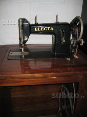 Macchina da cucire anni 50 electa con mobile