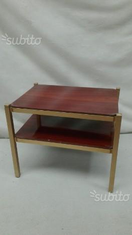 Piccolo tavolino da fumo anni 50 ottone e teak