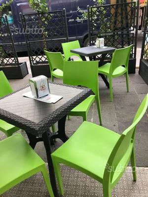 Sedie e tavoli da esterno