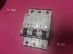 Siemens 5SY43 C32 Magnetotermico Trifase