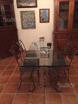 Tavolo cristallo e sedie in ferro battuto