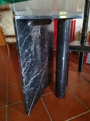 Tavolo e sedie di design
