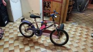 Bicicletta tipo mountain bike per bimbo/a