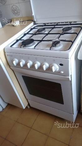 Cucina gas 4 fuochi con forno