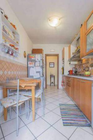 tavolo da cucina e 4 sedie