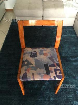 N.4 sedie in legno in buone condizioni