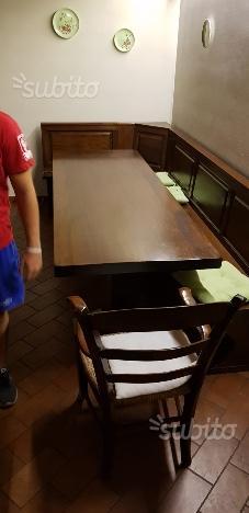Tavolo e cassapanca in legno