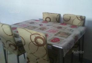 Tavolo in vetro con 4 sedie