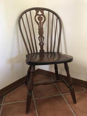 5 Sedie in legno con seduta sagomata